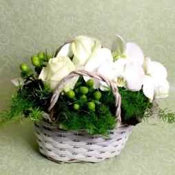 Blumenkörbchen mit Orchideenrispe