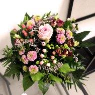 14. Blumenstrauss mit Saisonblumen rosa 39.- Fr.