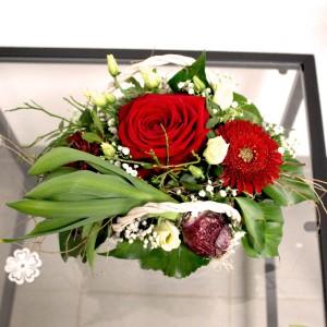 8. Körbli mit Rose und Saisonblumen 32.- Fr.